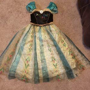 Disney store Anna princess costume size 5/6